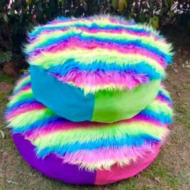 Cama redonda monstruosa colores